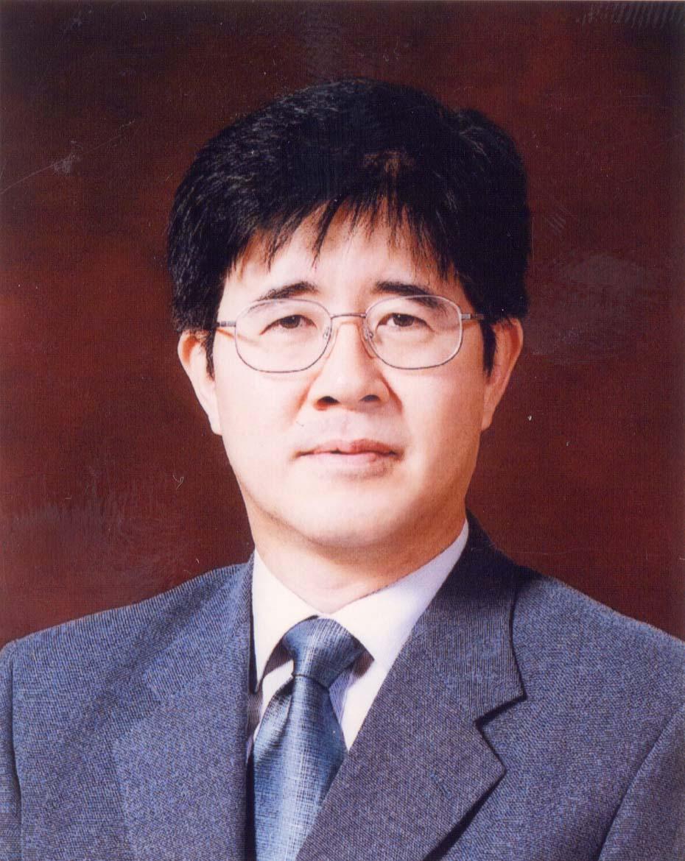 권춘우 교수 증명사진