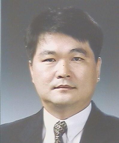 김영훈 교수 증명사진