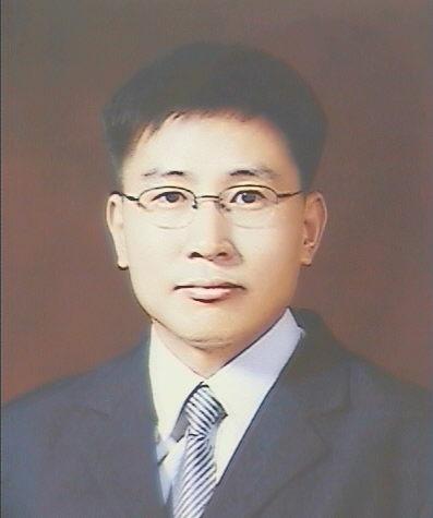 오수환 교수 증명사진