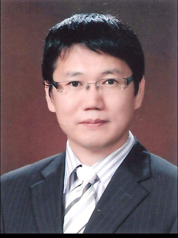 황우현 교수 증명사진