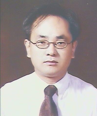 강환수 교수 증명사진