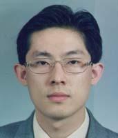 김동회 교수 증명사진