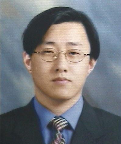 조강홍 교수 증명사진