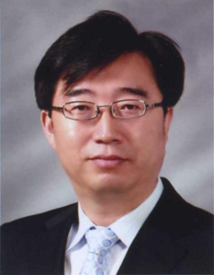 김용순 교수 증명사진