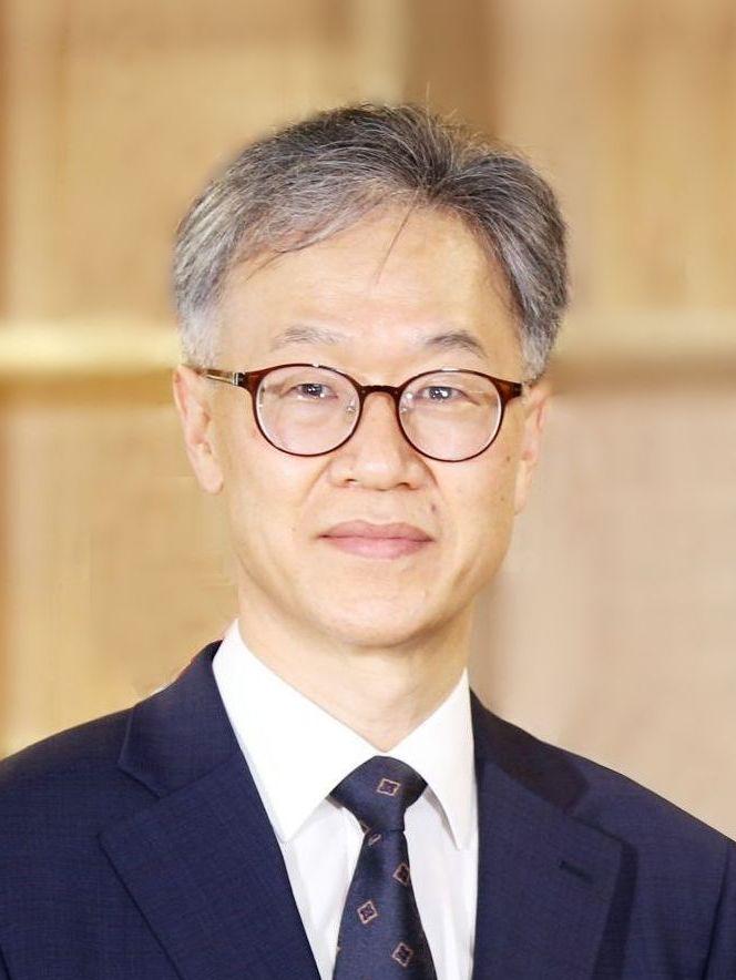 김교일 교수 증명사진