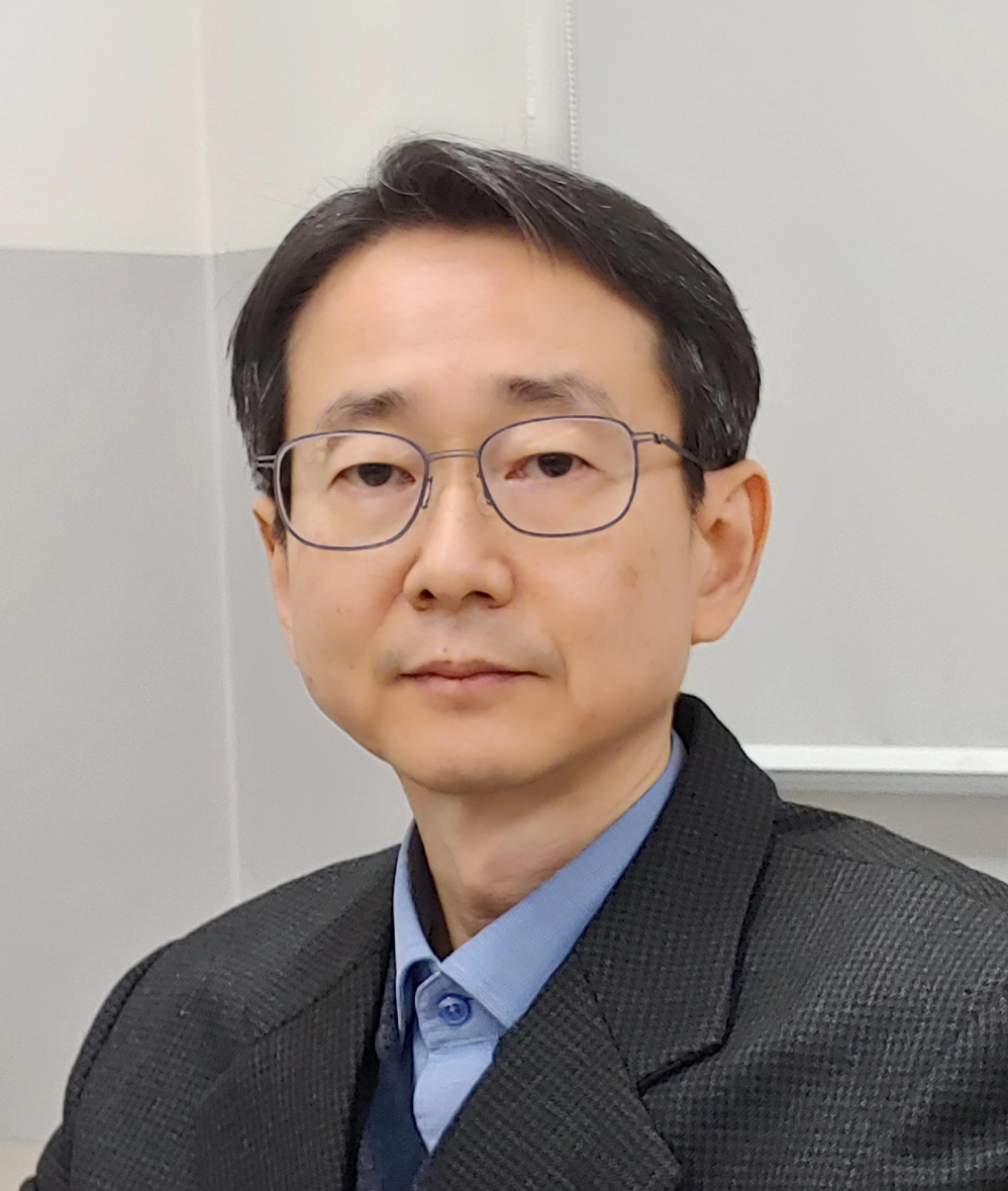 안태원 교수 증명사진