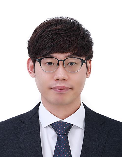 이자현 교수 증명사진