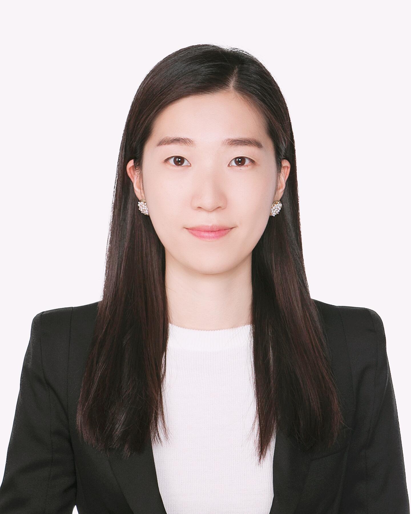 이현아 교수 증명사진