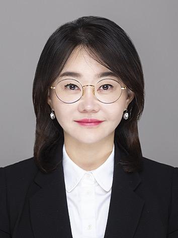 김유나 교수 증명사진