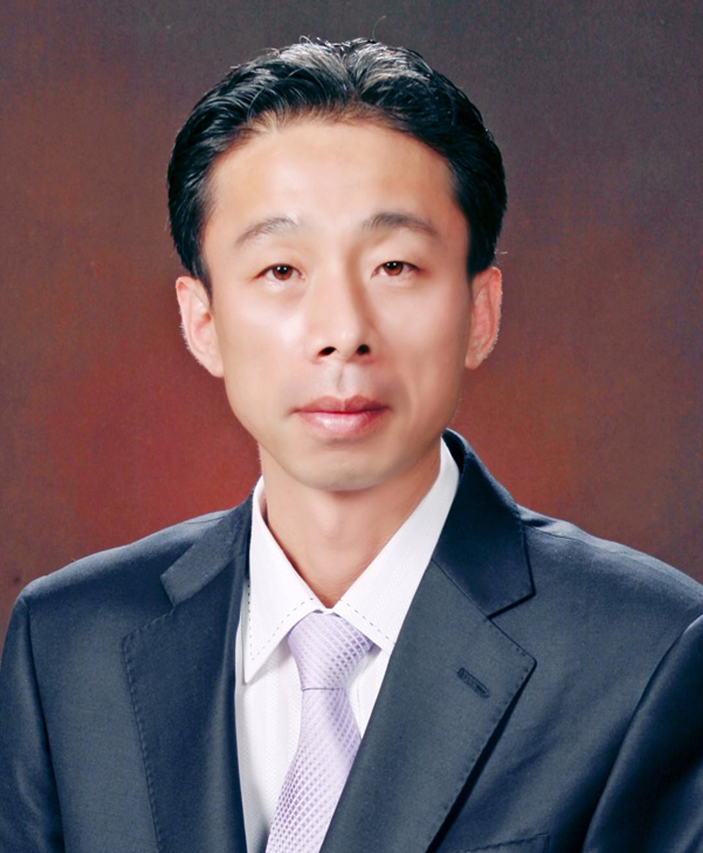권문호 교수 증명사진