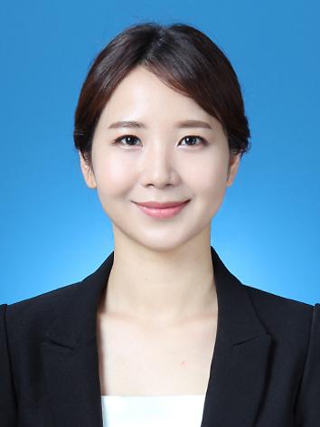장은지 교수 증명사진
